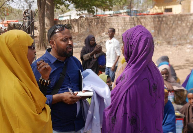 Help Somali Organisation, Dalib Bei Essensverteilung In Baidoa 6